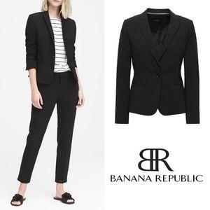 BANANA REPUBLIC Classic Italian Wool Blend Blazer
